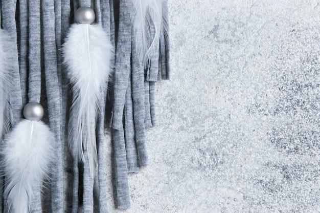 Capteur de rêves gris beige