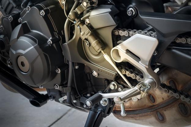 Capteurs quickshifter avec changement de vitesse, dispositif permettant un changement de vitesse sans embrayage