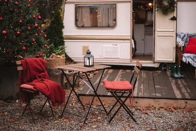 Caravane avec terrasse
