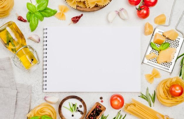 Carnet et ingrédients alimentaires talian
