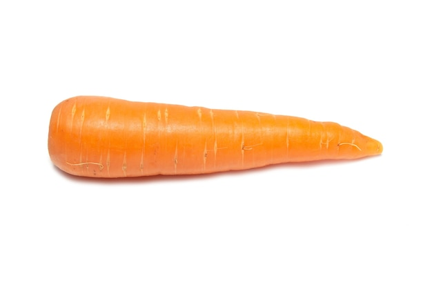 Carotte orange isolée