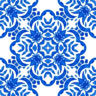 Carrelage abstrait bleu et blanc dessiné à la main motif de peinture aquarelle ornementale sans couture