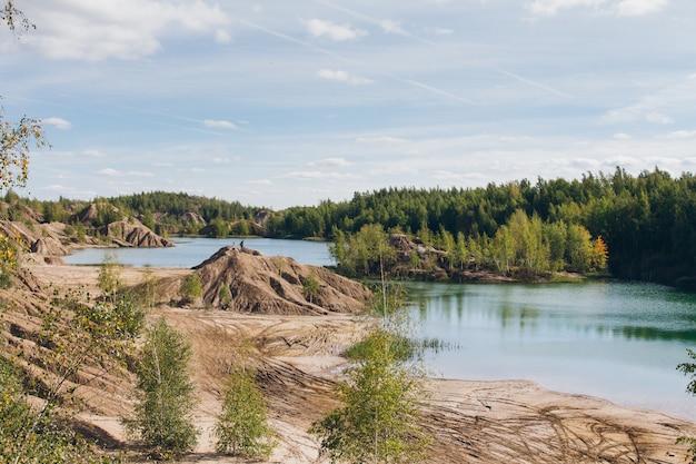 Carrière de sable abandonnée au lac bleu