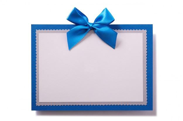 Carte-cadeau avec noeud et cadre bleu