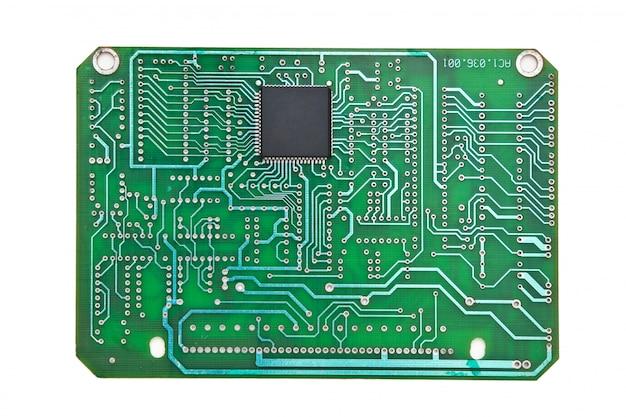 Carte de circuit imprimé isolé sur fond blanc