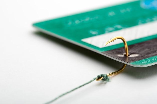 Carte de crédit sur un hameçon