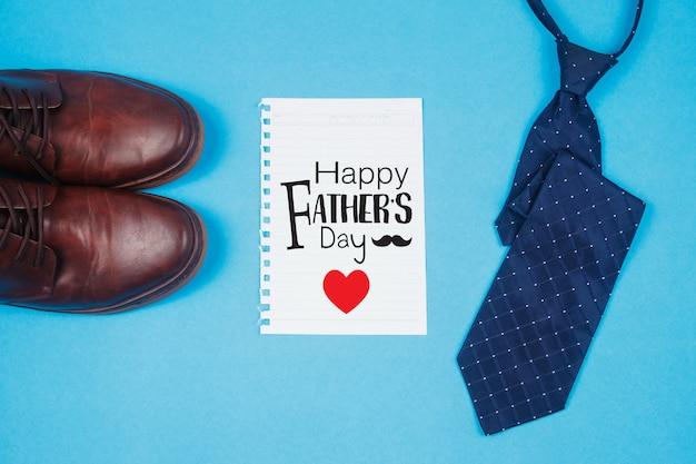 Carte de fête des pères avec cravate