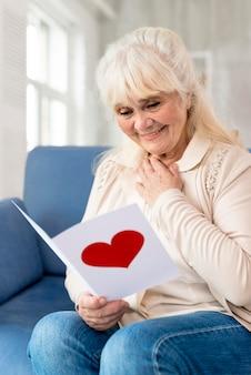 Carte de lecture de grand-mère