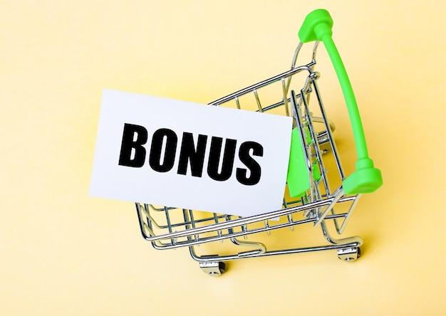 La carte avec le mot bonus se trouve dans le panier
