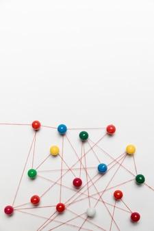 Carte punaise de couleurs chaudes et froides