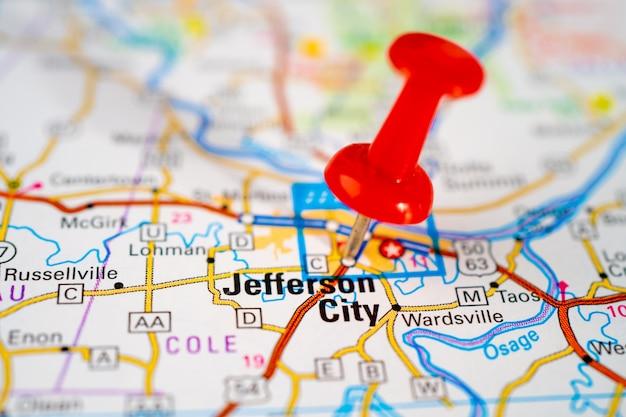 Carte routière de jefferson city, missouri, callaway, cole avec punaise rouge, ville aux états-unis d'amérique.