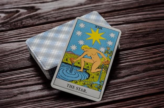 Carte de tarot: l'étoile