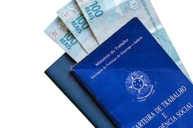 Carte de travail brésilienne avec de l'argent brésilien