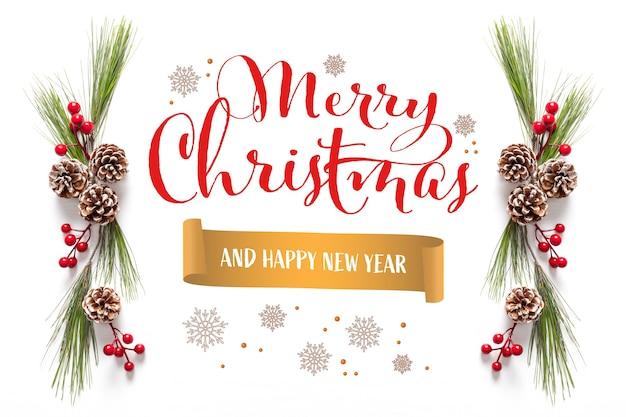 Carte de voeux joyeux noël et joyeuses fêtes, cadre, bannière. nouvelle année. avec des décorations de noël sur le fond tricolore. vue de dessus.