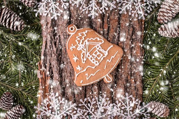 Carte de voeux de noël avec bois rustique et ornements