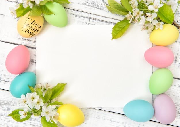 Carte de voeux de pâques décoration printemps fleurs