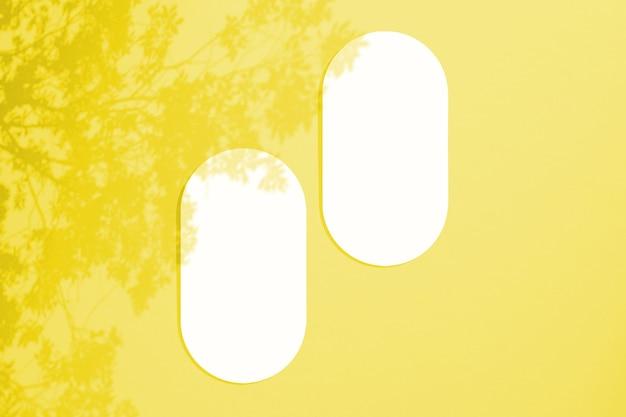 Cartes dans un style minimaliste. forme ovale vierge aux bords arrondis.