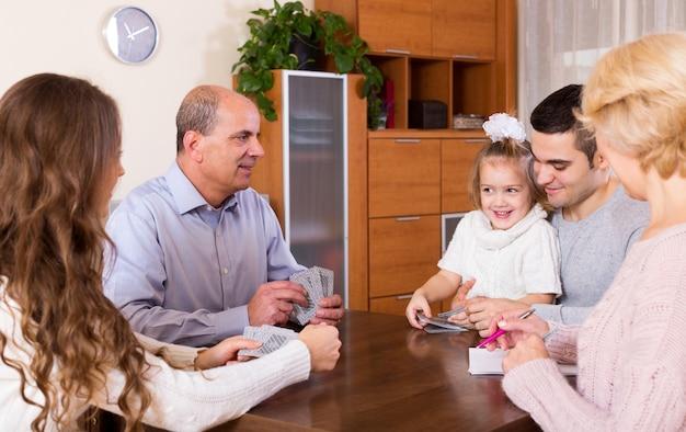 Cartes à jouer familiales