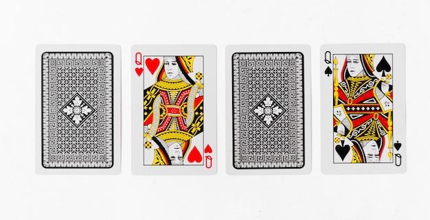 Cartes à jouer queen carte et arrière-plan arrière-plan blanc maquette