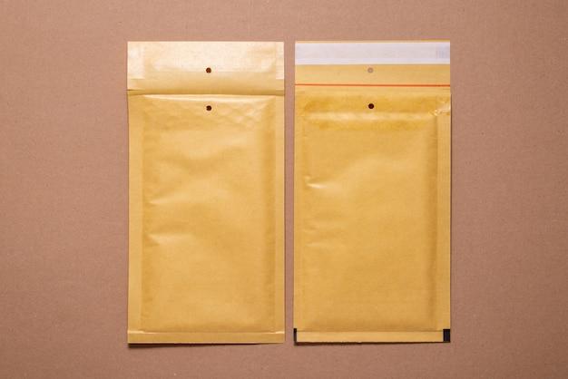 Carton en carton brun, maquette, espace copie