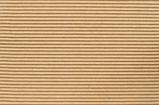 Carton ondulé marron utile comme arrière-plan