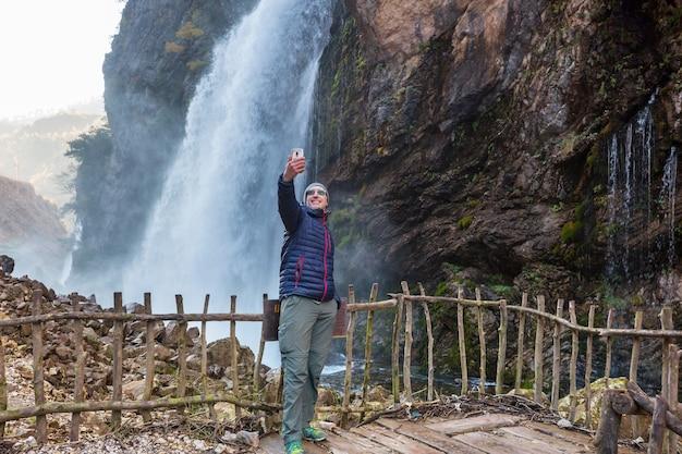 Cascade de kapuzbasi, province de kayseri, turquie