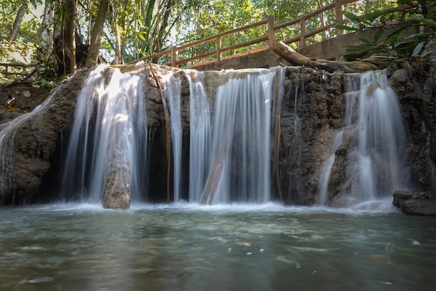 Cascade de nang khan, province de tak, thaïlande