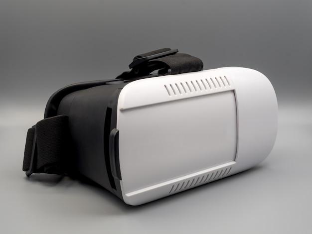 Casque de réalité virtuelle (vr box) sur fond gris