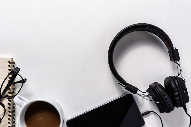 Casque et téléphone portable, concept musical