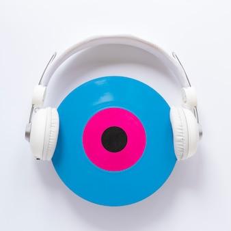 Casque vue de dessus avec disque vinyle