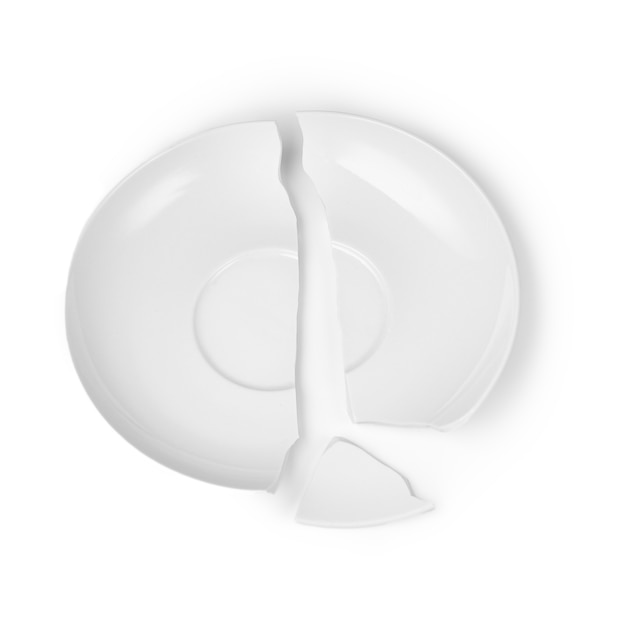 Cassé en trois parties plaque blanche sur fond blanc