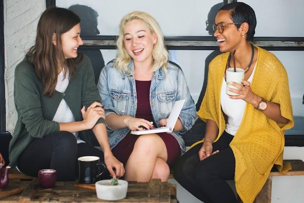 Casser le concept occasionnel de collègue de café
