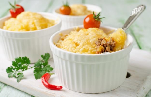Casserole de pommes de terre et viande hachée