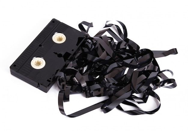 Cassette vidéo sur fond blanc