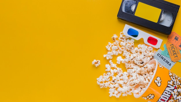 Cassette vidéo avec pop-corn