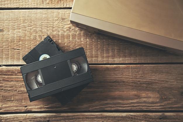 Cassette vidéo sur table