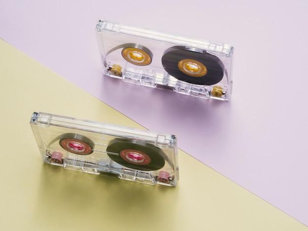 Cassettes transparentes avec vue diagonale supérieure