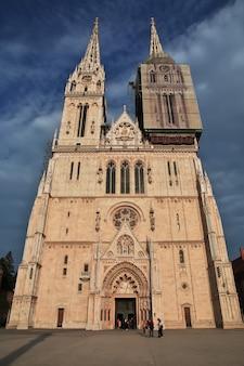 Cathédrale de l'assomption à zagreb en croatie