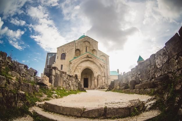 La cathédrale de bagrati à kutaisi, géorgie