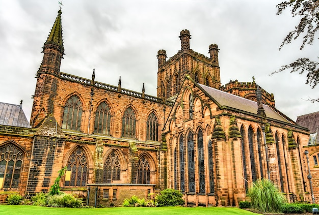 La cathédrale de chester dédiée au christ et à la bienheureuse vierge marie en angleterre, royaume-uni