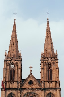 Cathédrale du sacré-cœur. monument de la cathédrale catholique romaine néo-gothique à guangzhou, en chine. top architecture ancienne doit visiter. destination pour aller