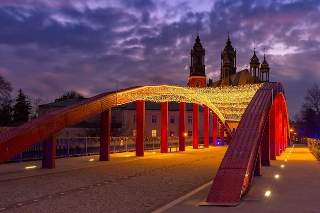 Cathédrale de poznan au coucher du soleil, pologne