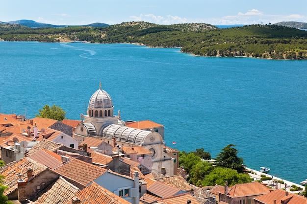 Cathédrale de saint-jacques à sibenik, croatie. patrimoine mondial de l'unesco
