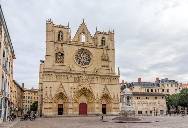 Cathédrale saint jean-baptiste de lyon