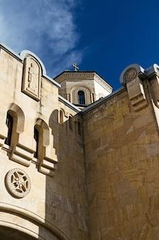Cathédrale sameba détails de l'architecture médiévale