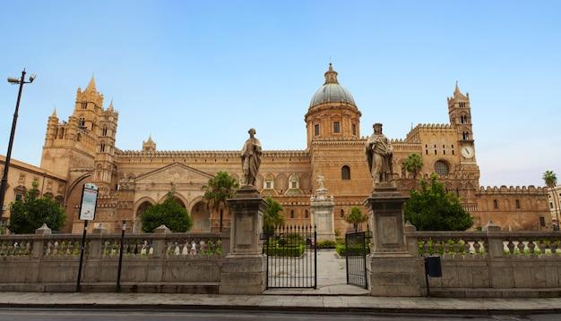 Cathédrale de vergine maria santissima assunta à cielo, palerme