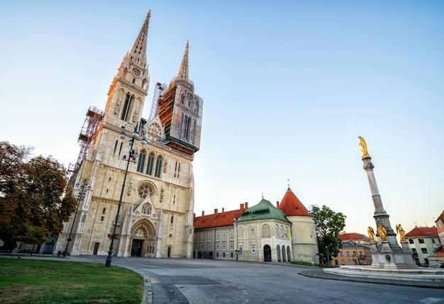 La cathédrale de zagreb dans le centre-ville de zagreb, croatie