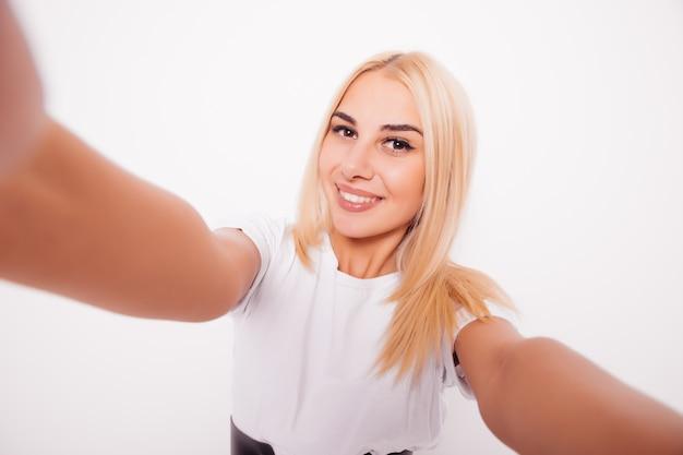 Caucasien, beauté, femme blonde, prendre, selfie
