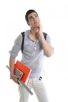 Caucasien étudiant inquiet par un geste négatif