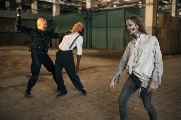 Cauchemar de l'homme militaire, bataille avec l'armée de zombies